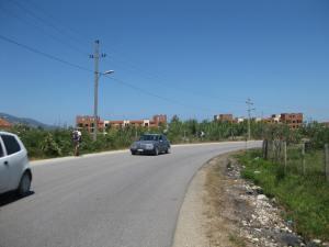 Die Marina, weit ab von der alban.Bevölkerung...Gi
