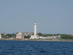 Stolzer Leuchtturm von Taranto. Umkehrpunkt vor der Nachtfahrt