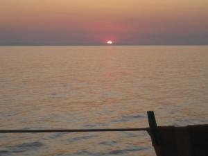 Sunset zw. Taranto und Crotone, 20.30 Uhr....noch 12 Std.!!