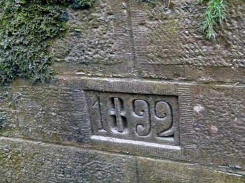 Erbaut_1892