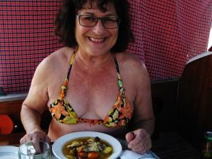 Leckere Fischsuppe zu Mittag