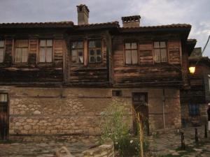 Nessebar Holz+Natursteinhäuser