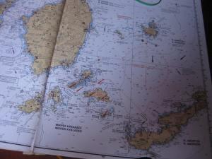 Seekarte bis Naxos, rote Sturmböen-Pfeile
