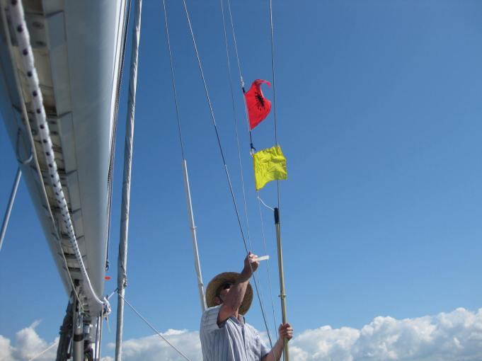 Heiß' auf Signalflagge!