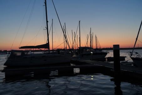 Sonnenaufgang in der Marina in Kröslin