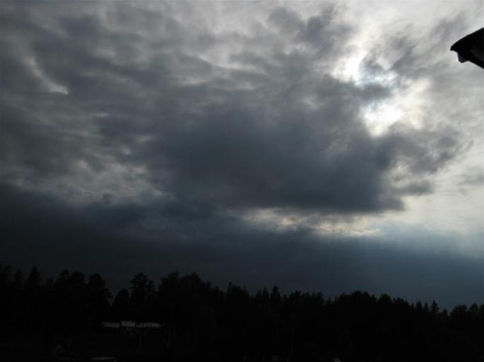 Gewitterwolken an der Boje Otterhälan (1) (Copy)