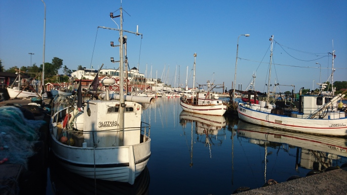 Zum Stadthafen Grisslehamn (1)