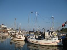 Zum Stadthafen Grisslehamn (2)
