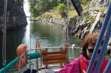 Gerdi steuert durch den Kanal (Copy)