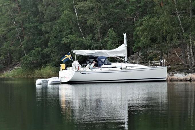 Wenn er nicht segeln will, geht der Urlaub als Motorboot weiter (Copy)