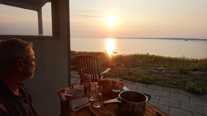 Zum Abendessen+Sunset ans Ufer.. (2)