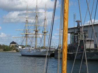 Copy Karlskrona Schulschiff am Museum2)